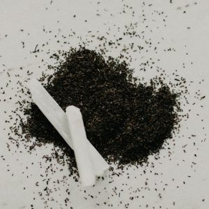 Black Ceylon Tea - Black Ceylon tea contains antioxidants and polyphenolic compounds that help fight free radicals within the body, which strengthens the immune system and reduces oxidative stress.